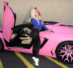 Nicki Minaj pink lambo
