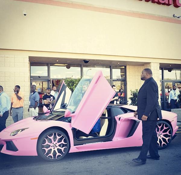 Nicki Minaj pink lambo 3