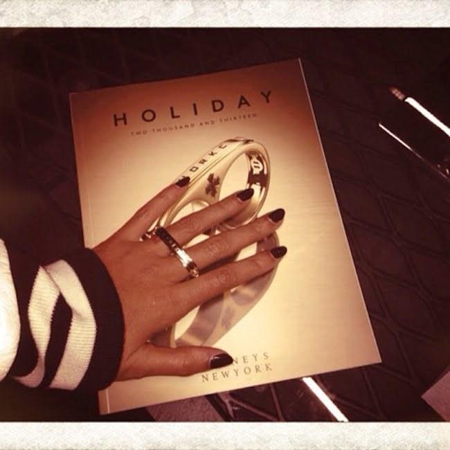 Jay-Z two finger gold ring