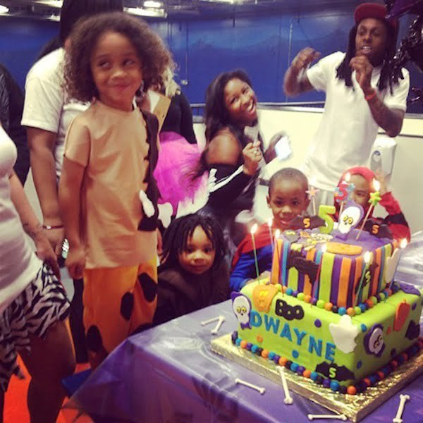 Stupendous Lil Wayne Dress As Fred Flintstone At His Son Birthday Party Personalised Birthday Cards Petedlily Jamesorg