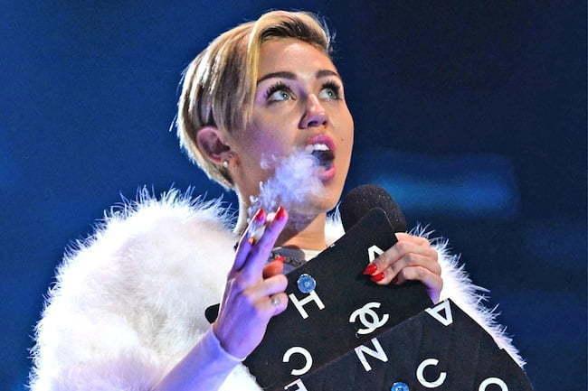 Miley Cyrus smoke on stage EMA