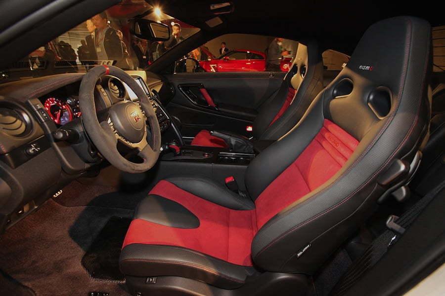 Nissan GTR Nismo interior