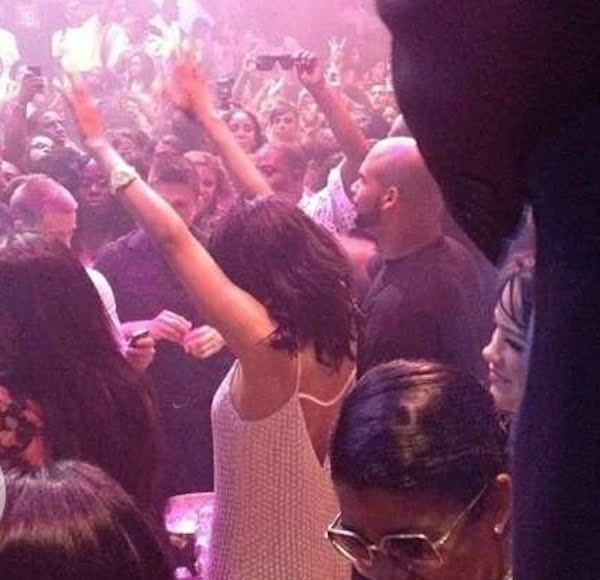 Rihanna-club-Liv