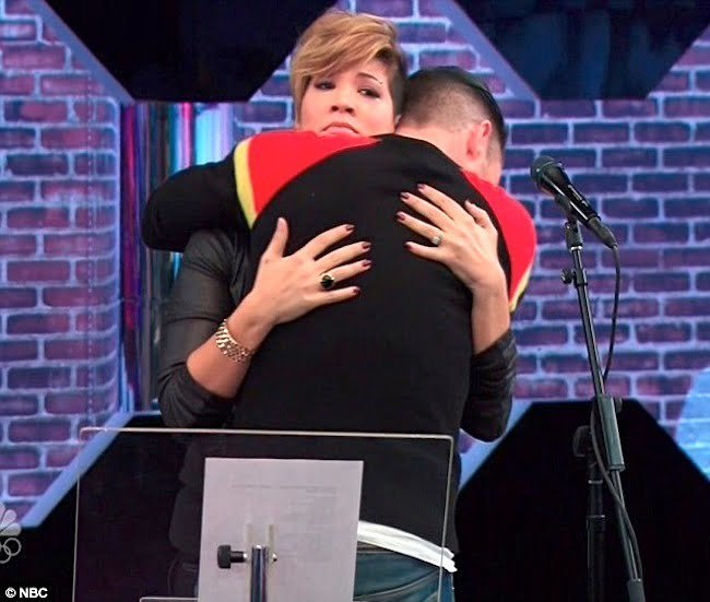 Adam Levine hug Tessanne Chin