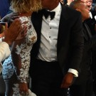 Beyonce and Jay Z kissing