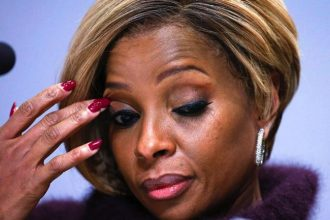 Mary J. Blige Father Thomas Blige Hospitalize Critical Attacked By Ex-Girlfriend