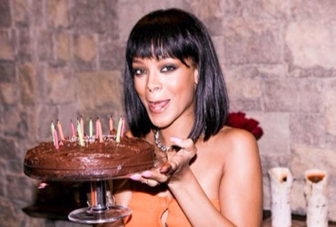Wondrous Rihanna Celebrates 26Th Birthday Today And This Is Her Cake Photo Funny Birthday Cards Online Benoljebrpdamsfinfo