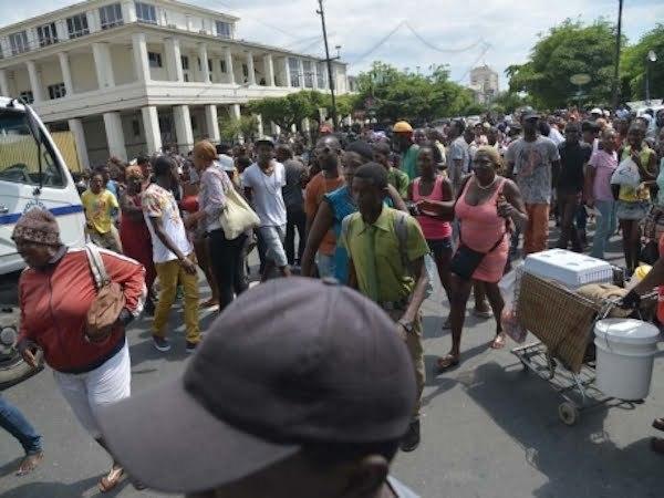 Kartel fans protest 1
