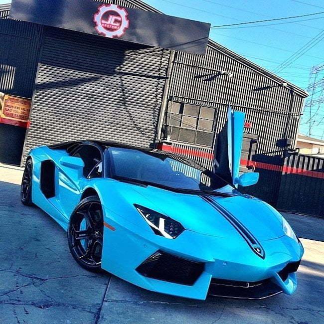 Chris Brown blue Lamborghini Aventador