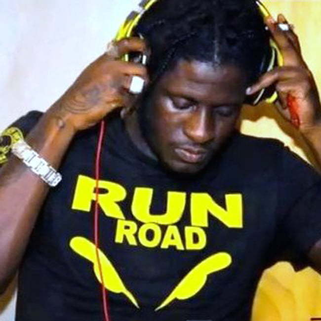 aidonia run road tshirt