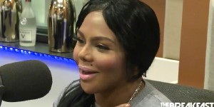 "Lil Kim Says Nicki Minaj Is ""Obsessed"" Talks K. Michelle Beef [VIDEO]"