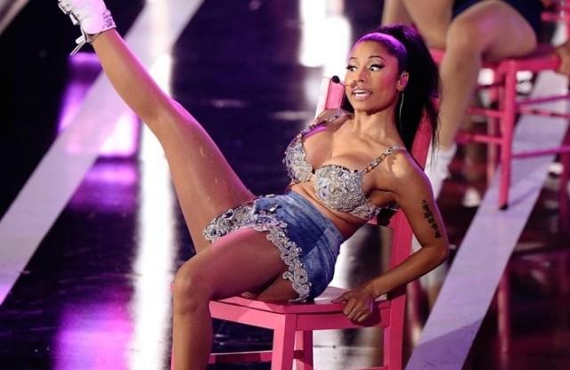 Nicki Minaj:  My Bun Implant Malfunction At Fashion Rocks