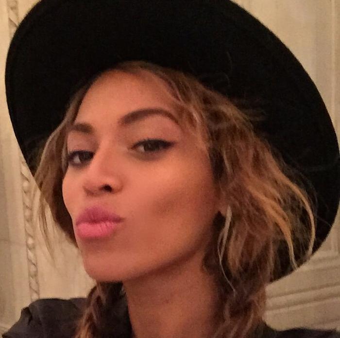 Beyonce Louvre