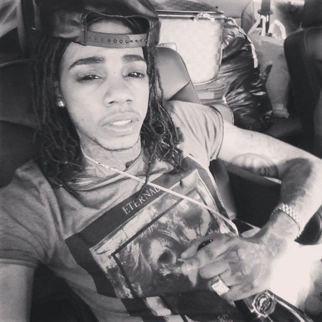 Alkaline – Living It Up [New Music]