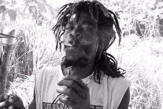 "Barrington Levy ""Unda Mi Sensi"" .. This Is How Weed Is Smoke In Jamaica"