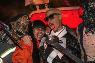 Blac Chyna Says Forget Future, Hooks Up With Amber Rose