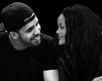 Drake I'm In Love With Rihanna He Told Crowd In New York