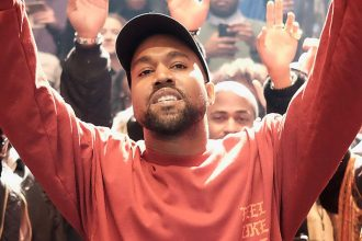 "Kanye West's ""Life of Pablo"" Creates Streaming History When It Went Platinum"