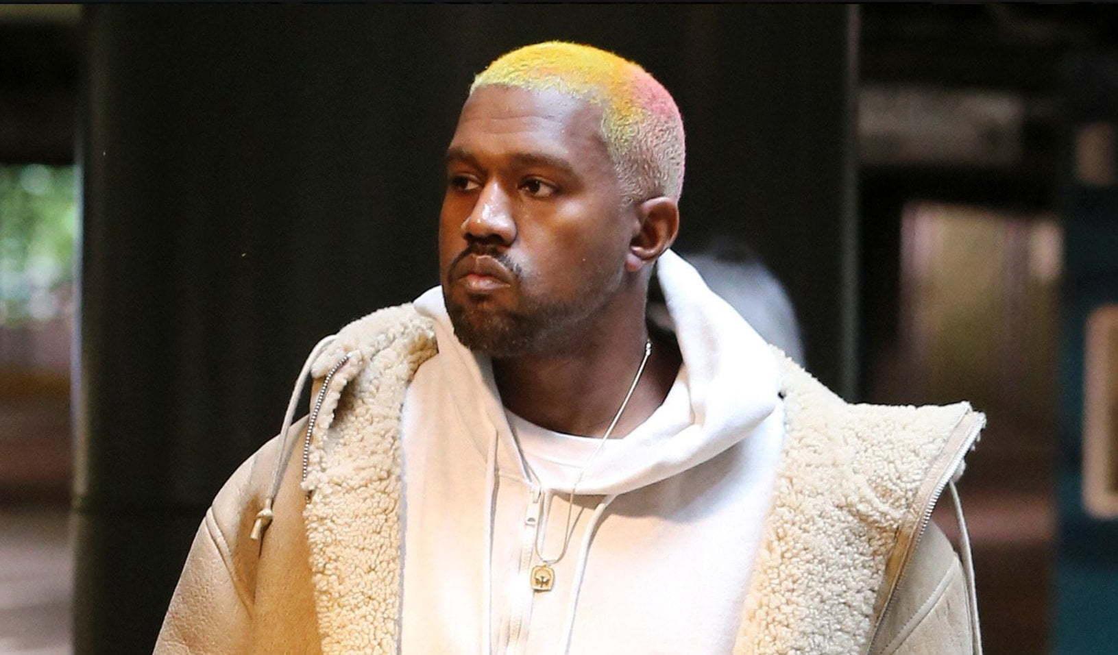 Tremendous Twitter Roast Kanye West For New Multi Colored Hairstyle Short Hairstyles Gunalazisus
