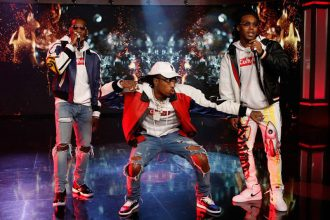 """Migos Energetic Performance Of """"Bad and Boujee"""" On Kimmel 
