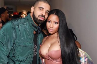 "Nicki Minaj and Drake Performs ""No Frauds"" At Paris Show"