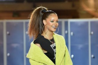 Rihanna Getting Honored At Parsons School of Design Benefit