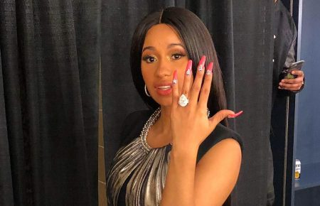 Migos' Offset Proposed To Cardi B On Stage [Full Video]