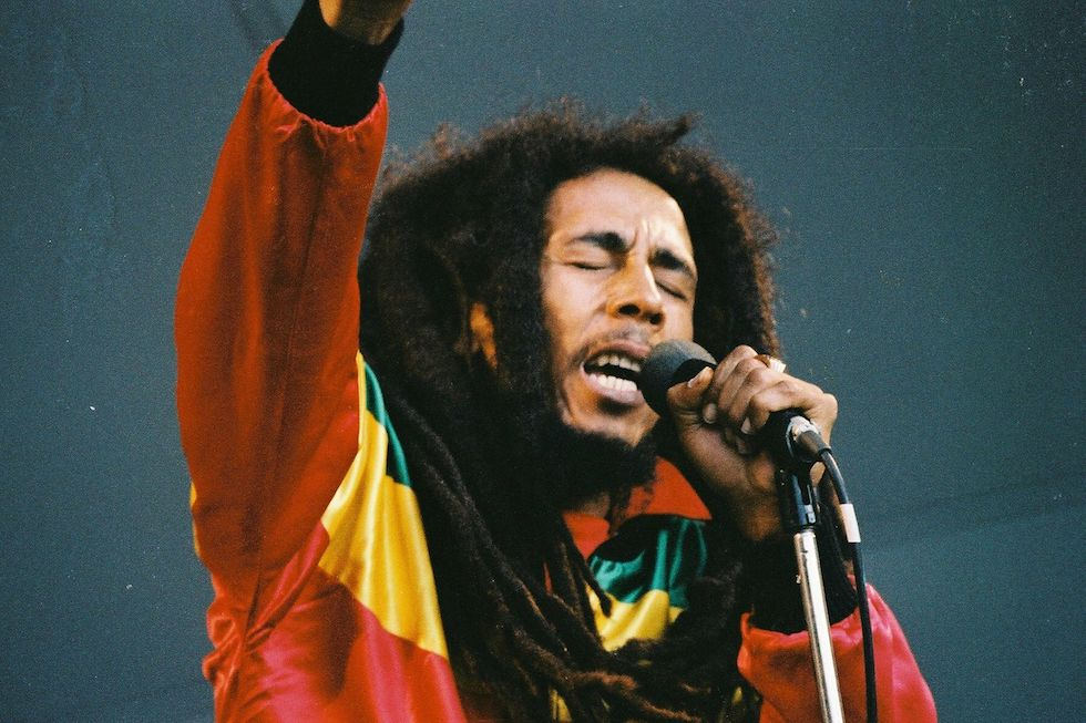 a biography of bob marley and his popularity in reggae music High grade reggae music continued to add to his popularity and fame bob marley received bob marley biography is an account of this great.