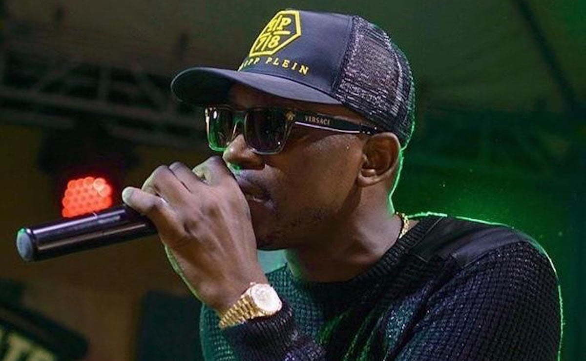 Busy Signal live