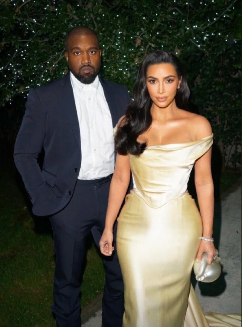 50 Cent & Snoop Dogg Trolls Kanye West For Allegedly Falling Off Horse, Kim Kardashian Respond - Urban Islandz