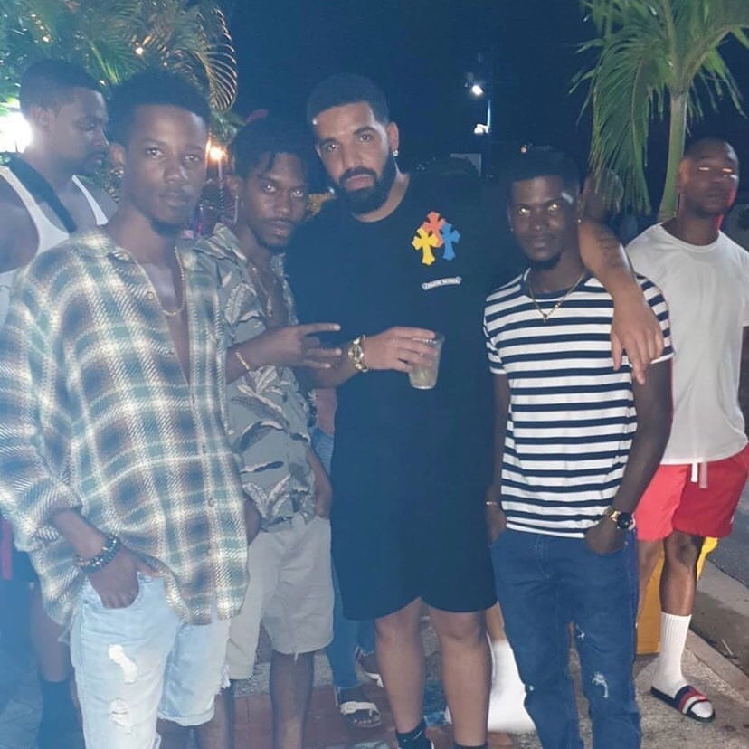 Drake And His Crew Spotted In Rihanna's Backyard In Barbados ...